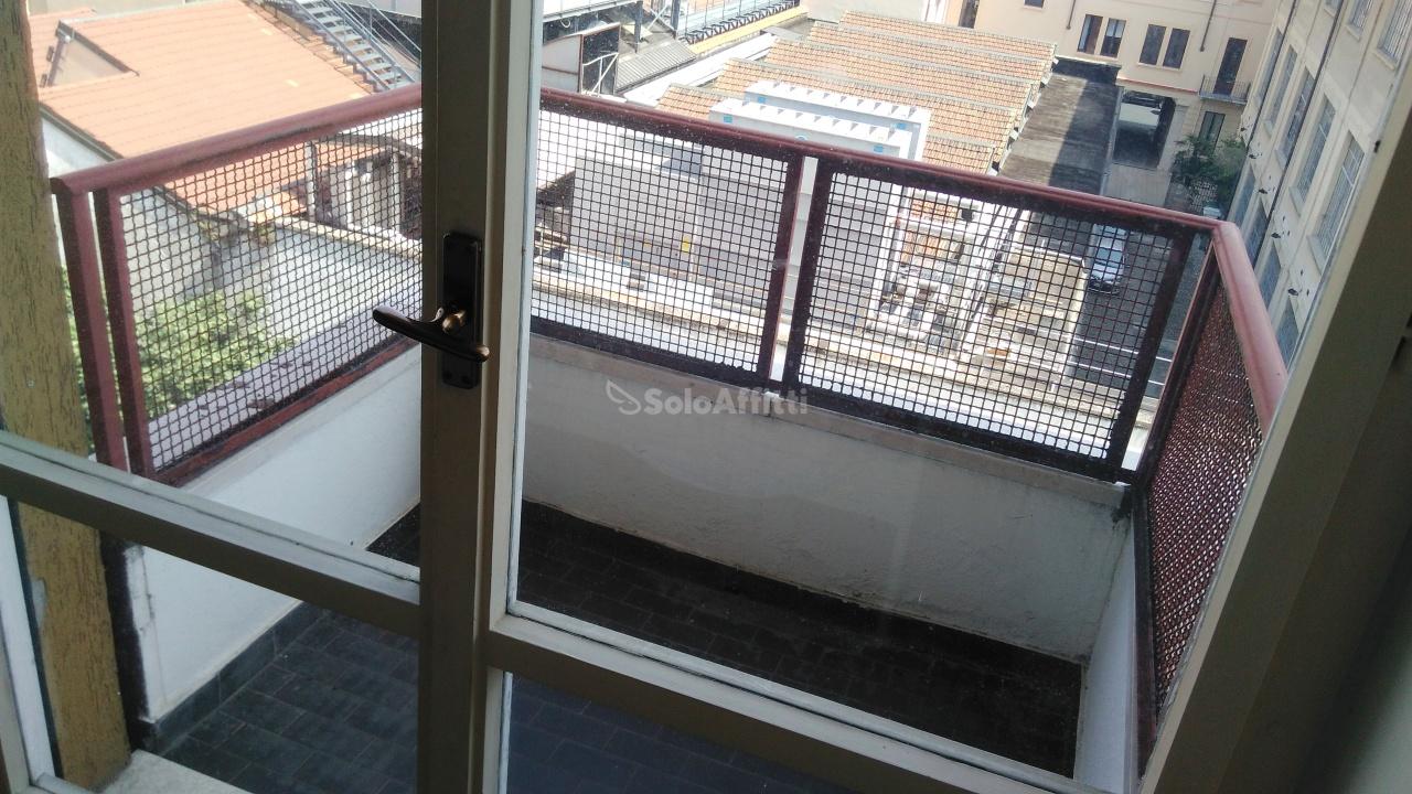 Bilocale Milano Via Montenero 10