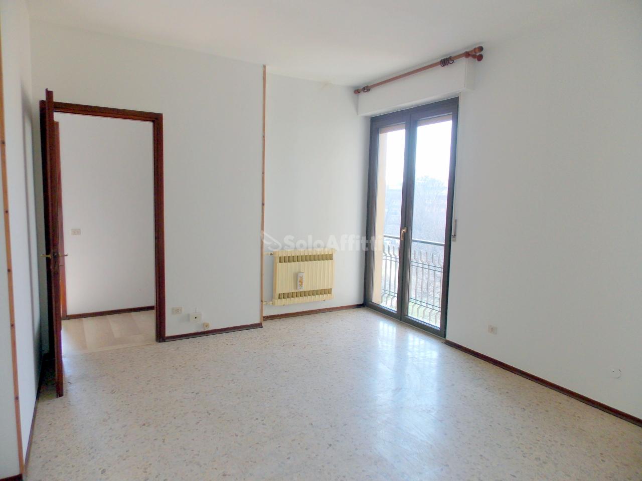 Bilocale Novara Via Nicola Sottile  24 1