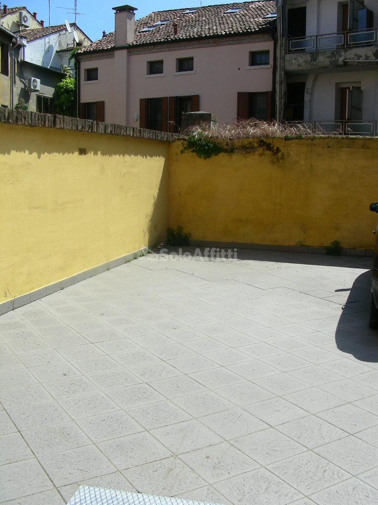 Bilocale Rovigo Via Badaloni 66 2