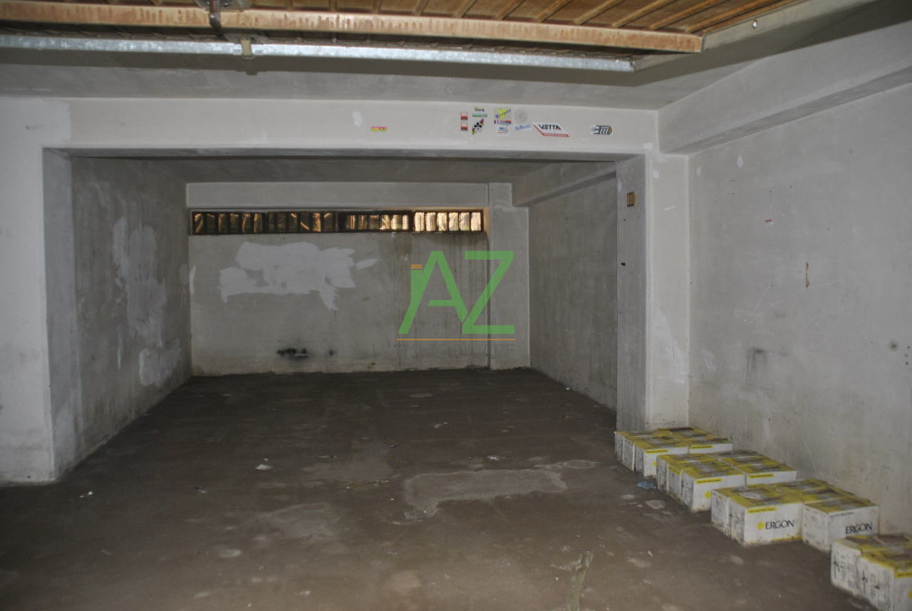 Box / Garage in vendita a Aci Sant'Antonio, 1 locali, prezzo € 25.000 | Cambio Casa.it