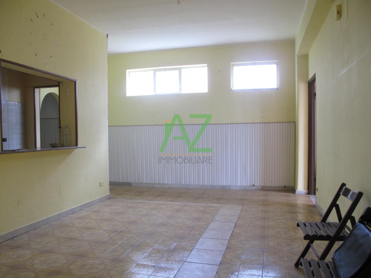 Appartamento in affitto a Motta Sant'Anastasia, 5 locali, prezzo € 420 | Cambio Casa.it