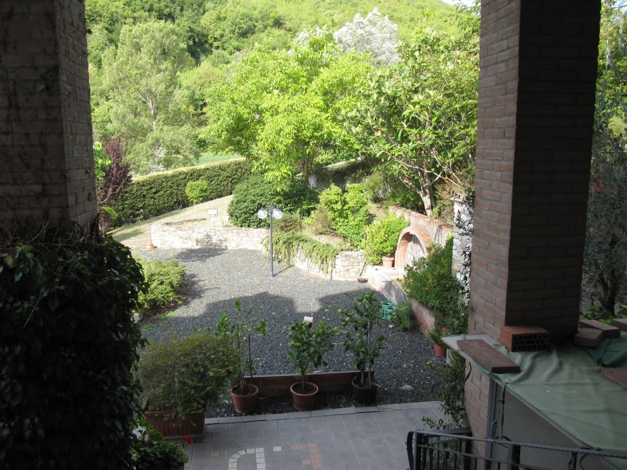 Rustico / Casale in vendita a Terenzo, 10 locali, prezzo € 500.000 | Cambio Casa.it