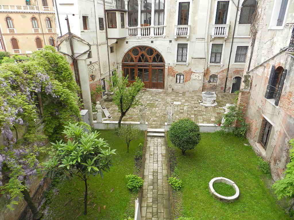 Soluzione Indipendente in affitto a Venezia, 5 locali, prezzo € 2.000 | CambioCasa.it