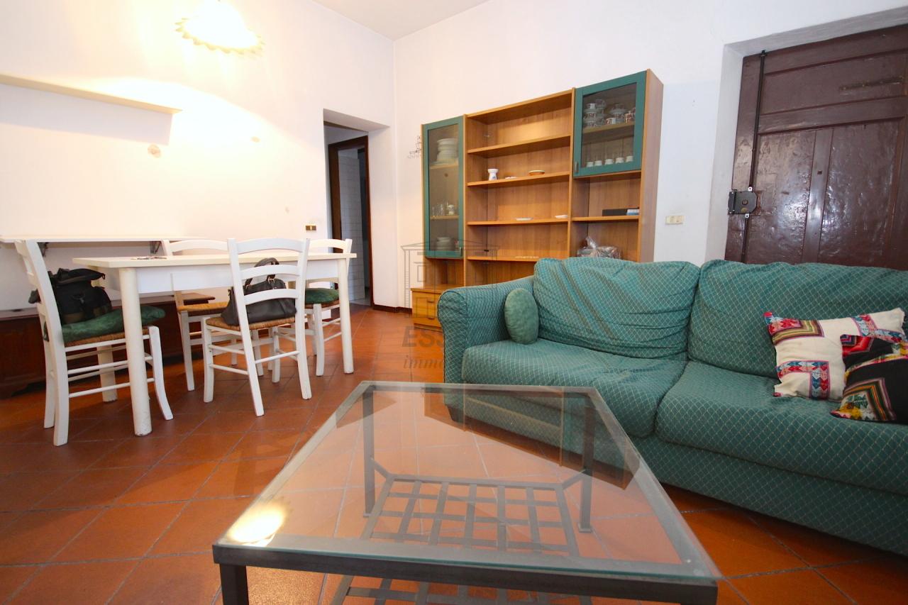 Bilocale Lucca Via Pelleria 6