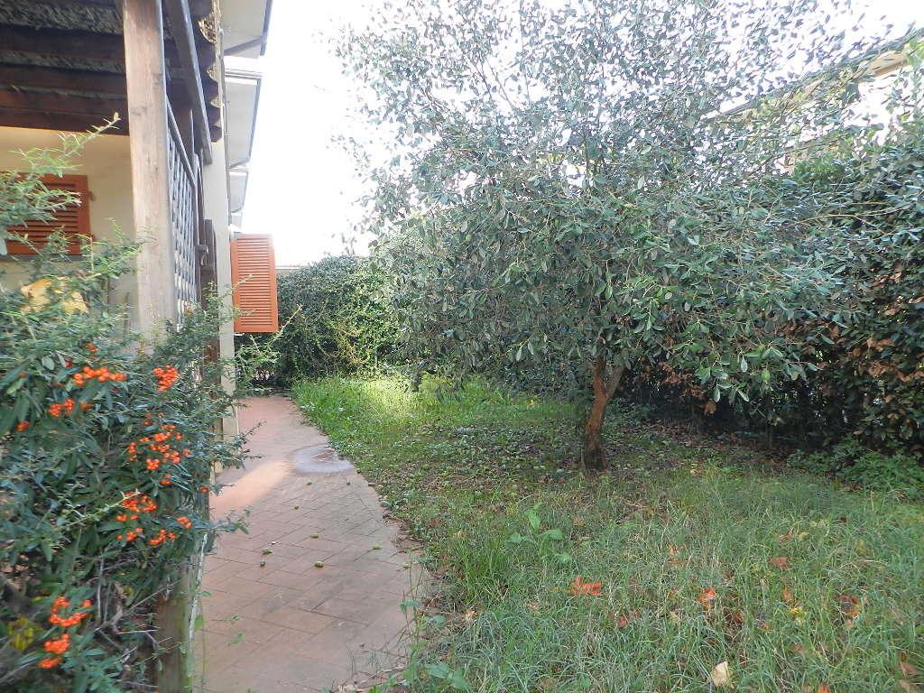 Villetta a schiera Lucca Nozzano Castello IA03219 img 7