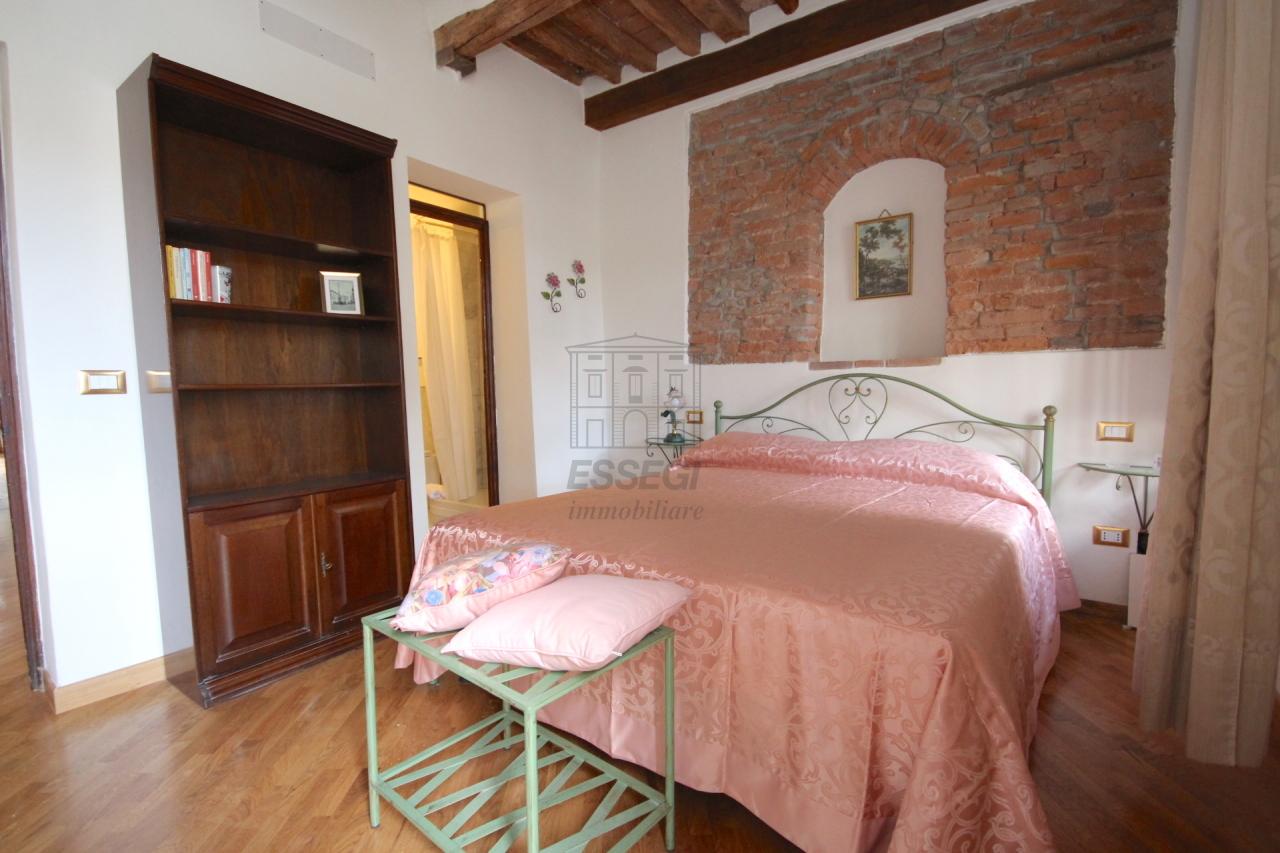 Appartamento Lucca Centro storico IA03309 img 19