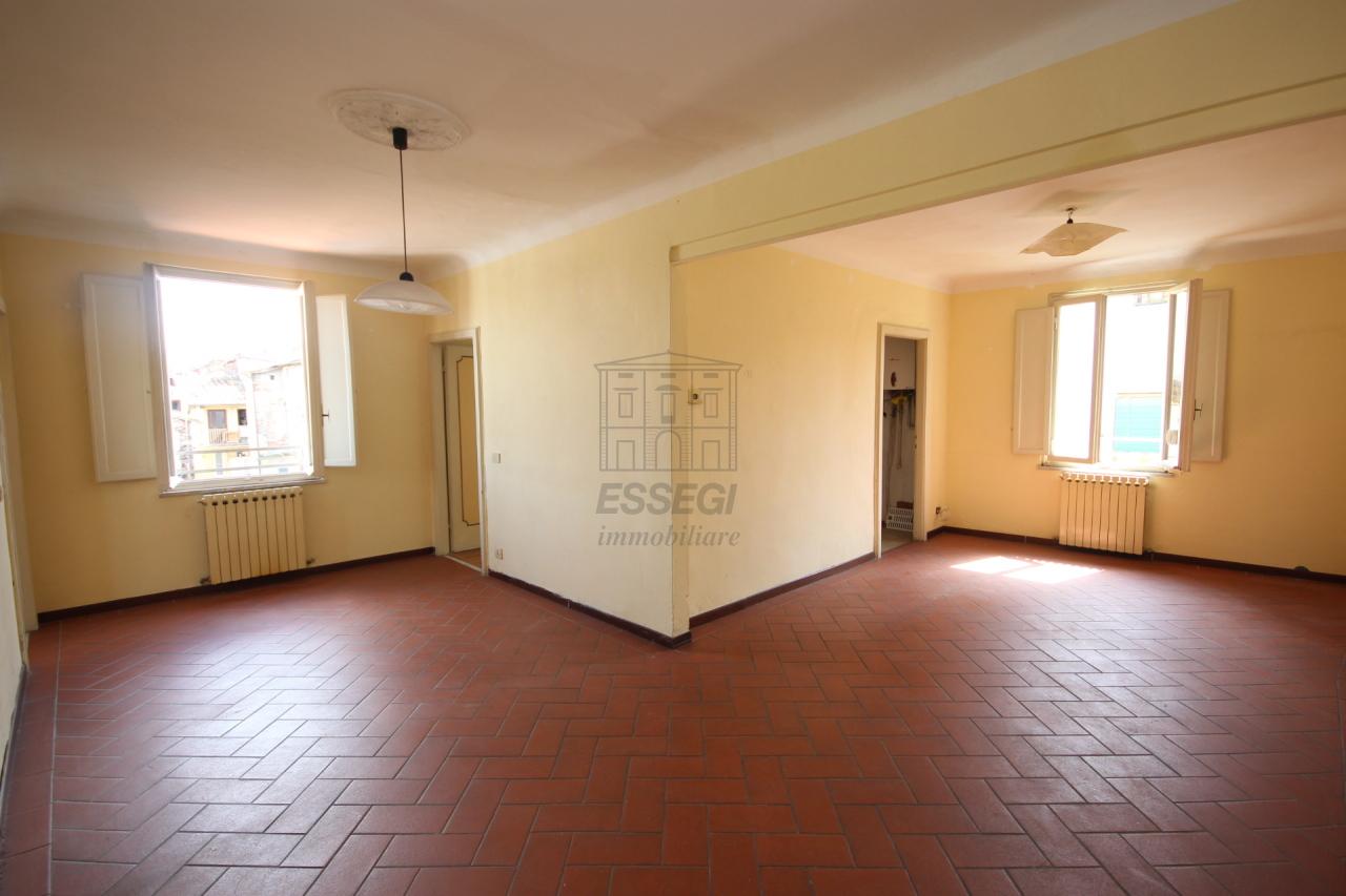 vendita appartamento lucca   290000 euro  65 locali  120 mq