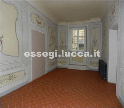Bilocale Lucca Via Guinigi 1