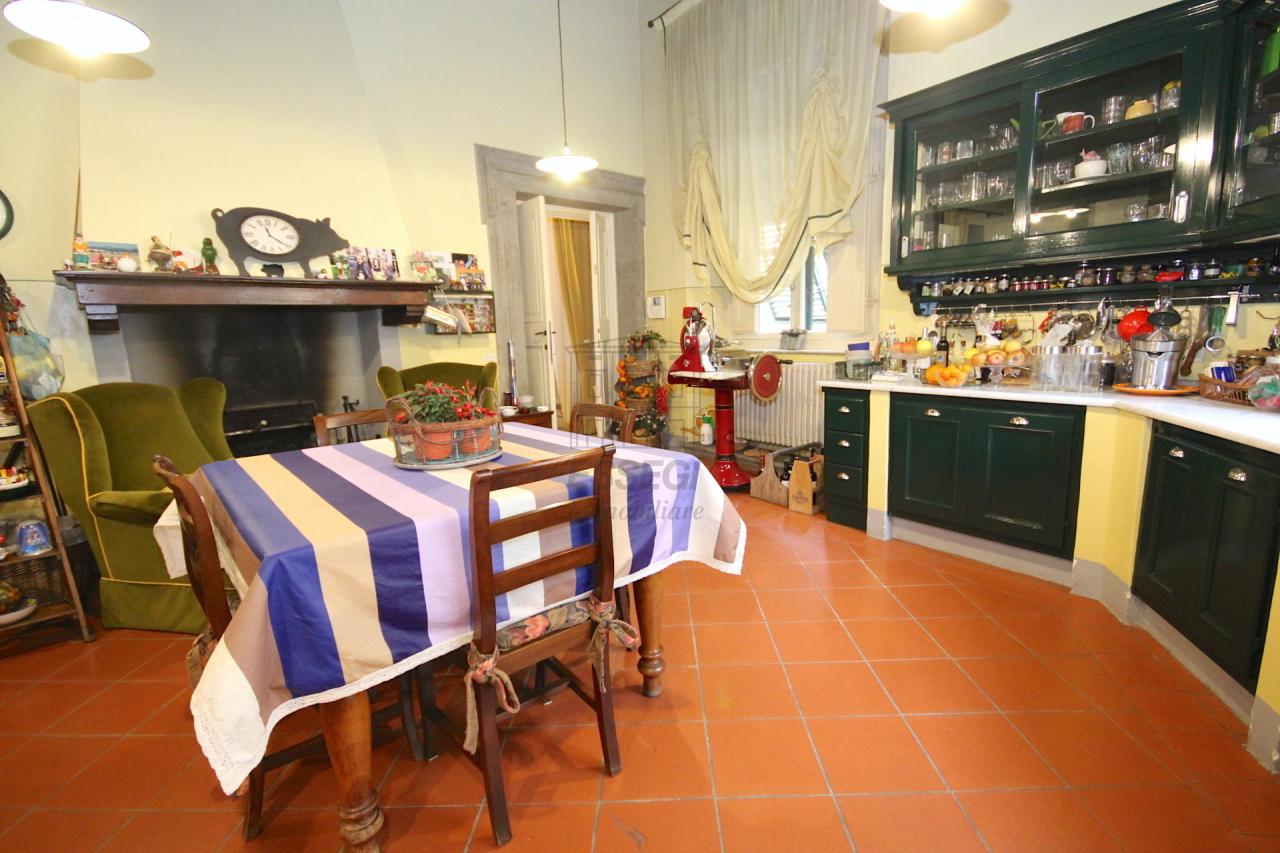 Appartamento Lucca Centro storico IA03053 img 7
