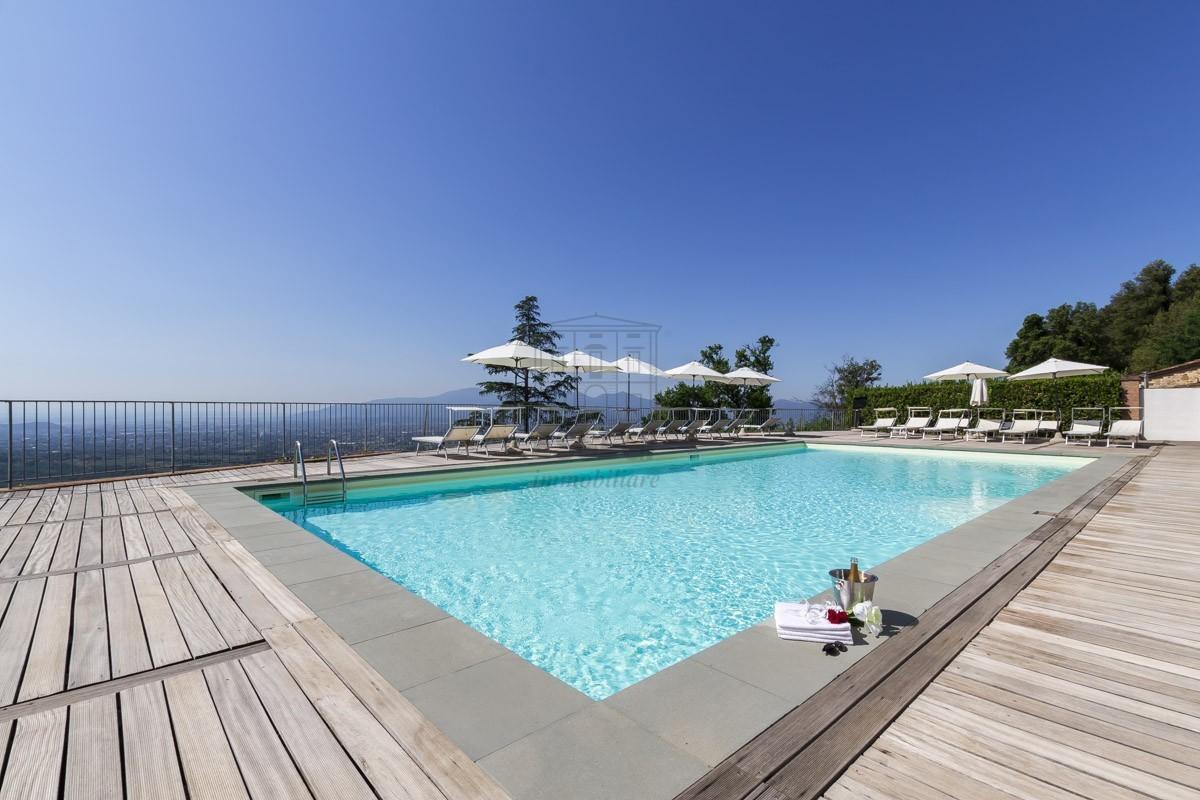Prestigioso appartamento in Villa Guinigi img 12