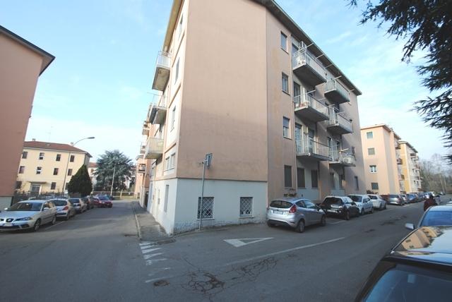 Appartamento in vendita a Pavia, 5 locali, prezzo € 126.000   Cambio Casa.it