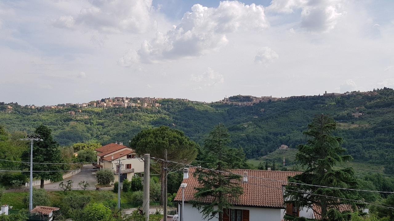 Appartamento, 250 Mq, Vendita - Perugia (PG)