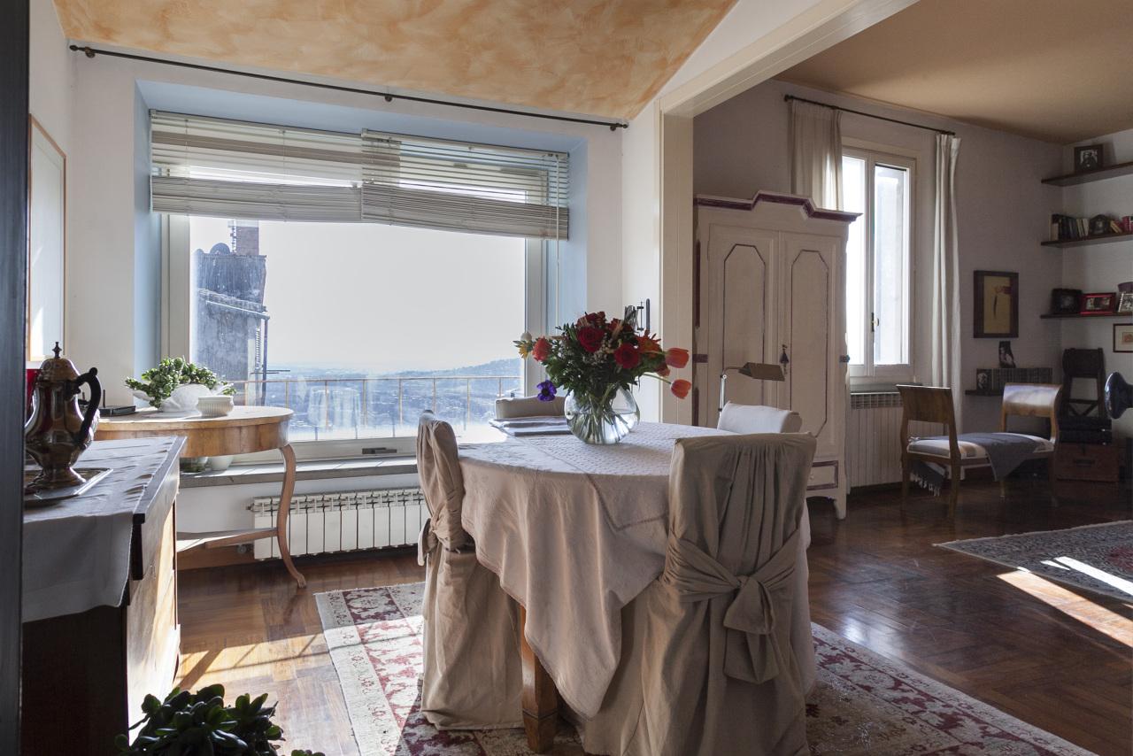 Appartamento 6 locali in vendita a Perugia (PG)