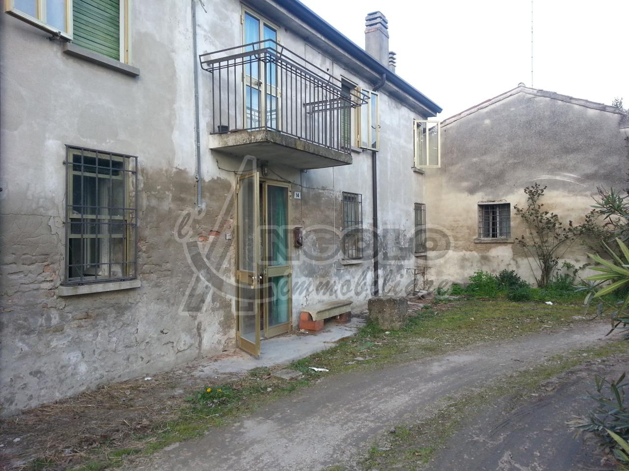 Rustico / Casale in vendita a Ro, 6 locali, prezzo € 38.000 | Cambio Casa.it