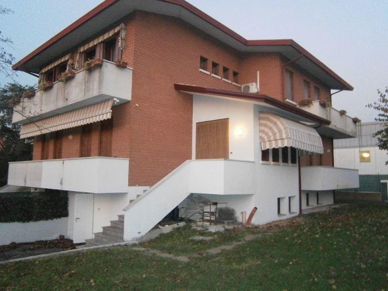 Soluzione Indipendente in vendita a Sossano, 6 locali, prezzo € 180.000 | Cambio Casa.it