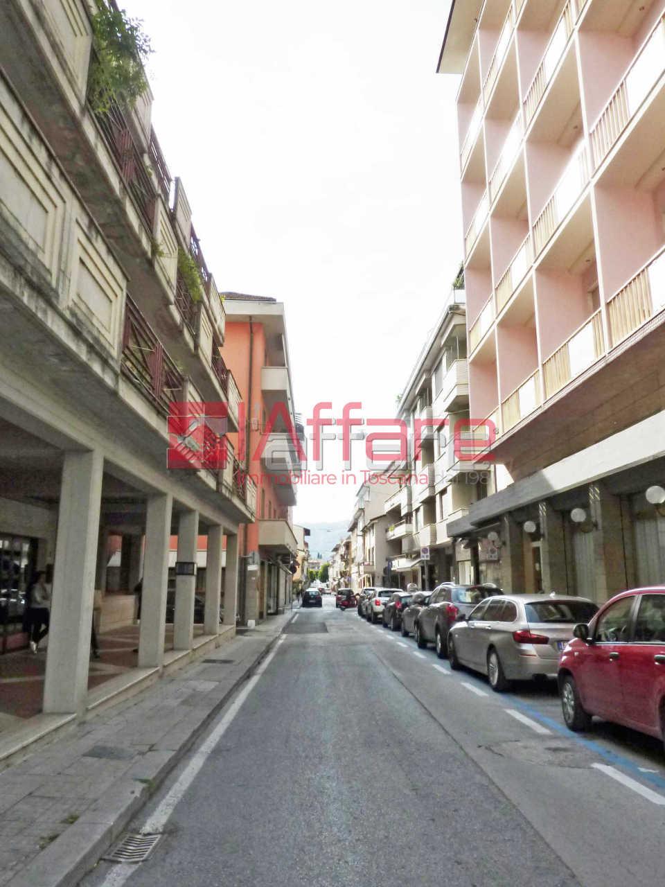 Ufficio / Studio in vendita a Montecatini-Terme, 8 locali, prezzo € 220.000 | CambioCasa.it