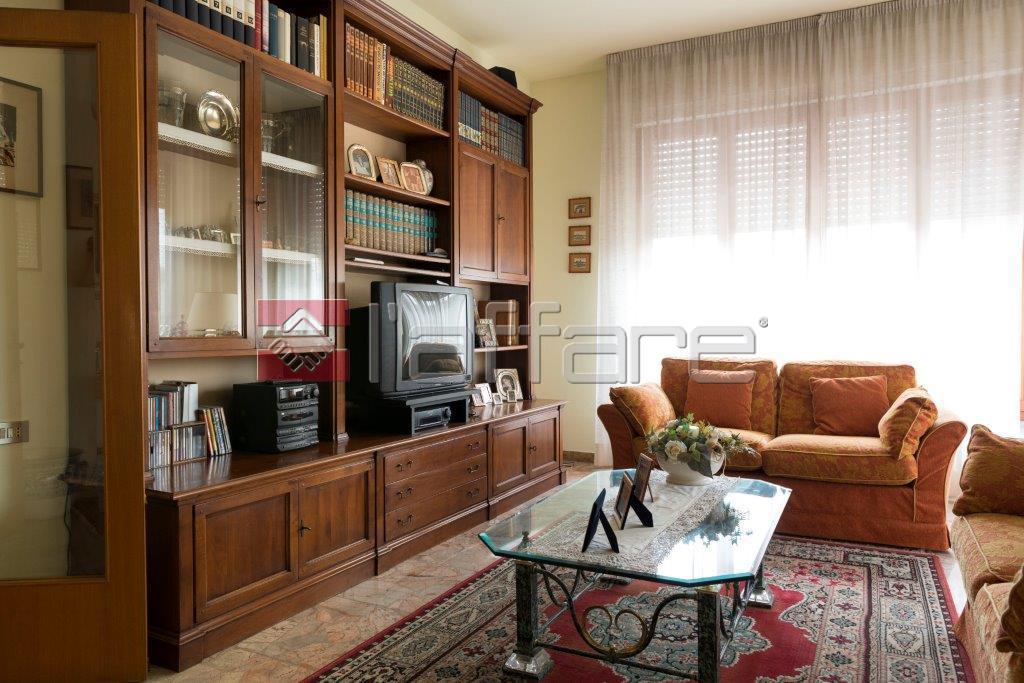 Villa in vendita a Ponsacco, 8 locali, prezzo € 350.000   Cambio Casa.it