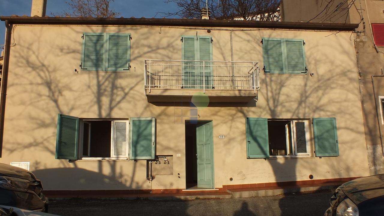 Appartamento a Castellina Marittima (3/5)