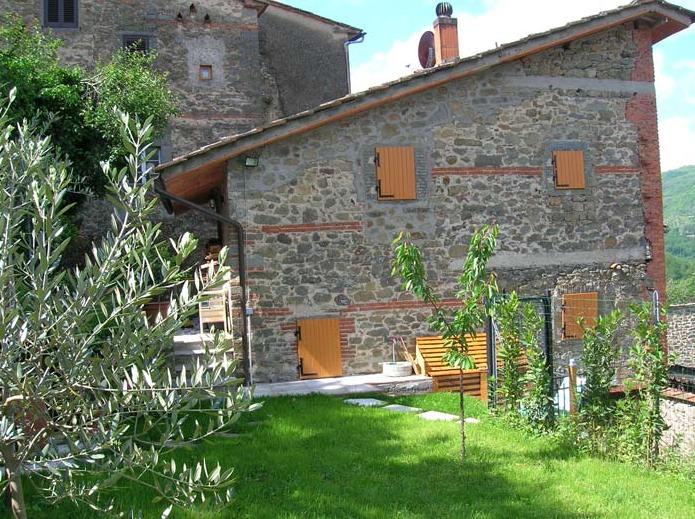 Rustico / Casale in vendita a Pescia, 4 locali, prezzo € 92.000 | Cambio Casa.it