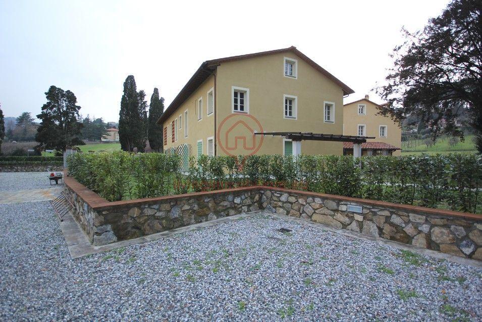 Bilocale Lucca Via Per Camaiore 2