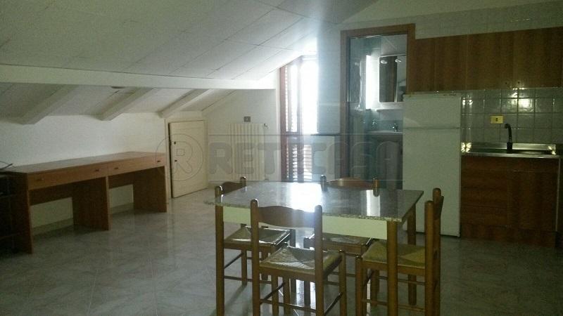 Attico / Mansarda in affitto a Mercato San Severino, 2 locali, prezzo € 300 | Cambio Casa.it
