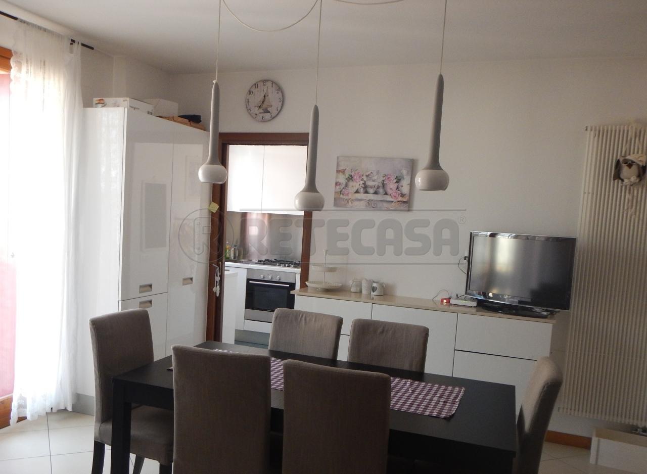 Appartamento in vendita a Loreggia, 9999 locali, prezzo € 160.000   Cambio Casa.it