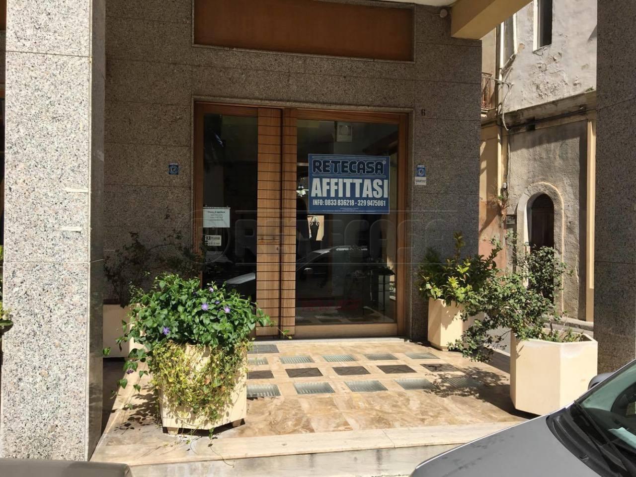 Negozio / Locale in affitto a Nardò, 2 locali, prezzo € 800 | Cambio Casa.it