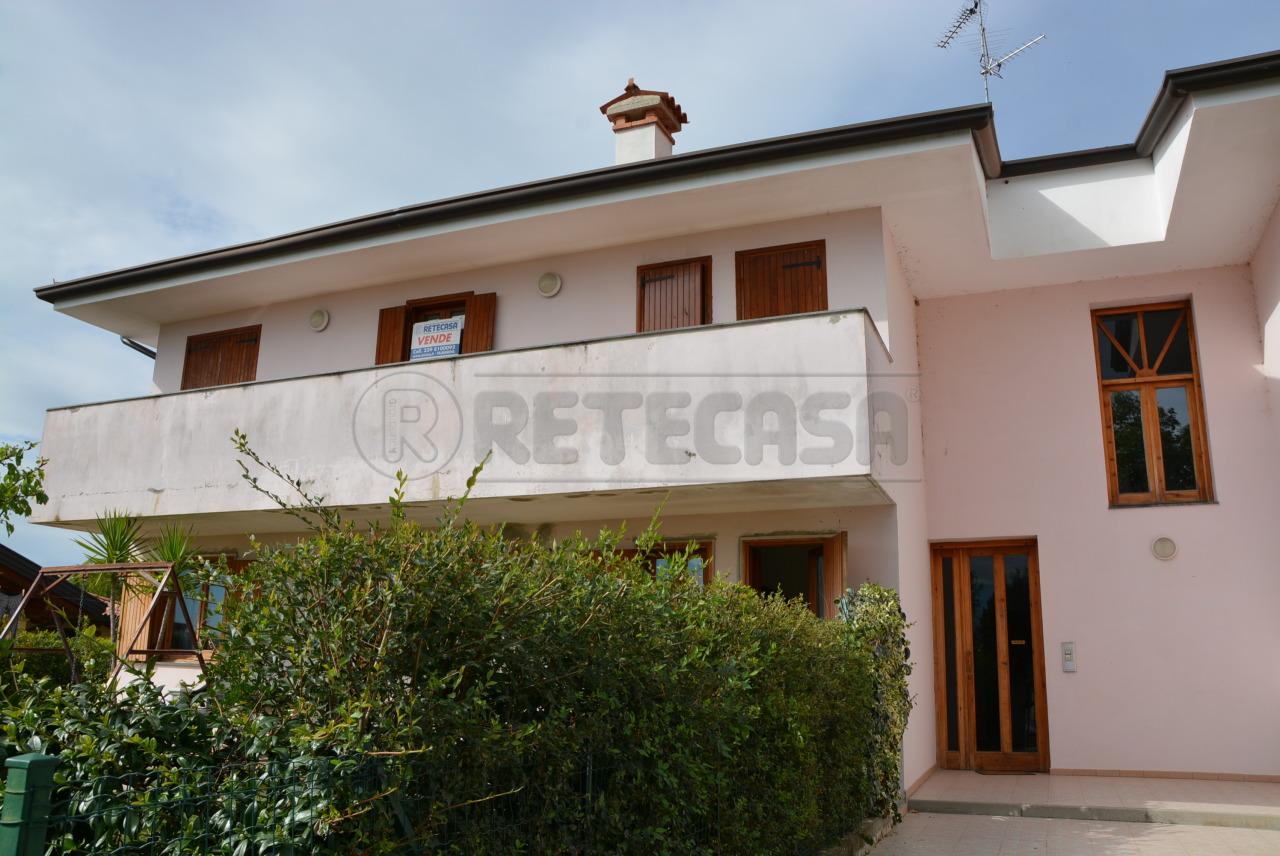 Appartamento in vendita a Bagnaria Arsa, 4 locali, prezzo € 105.000 | Cambio Casa.it