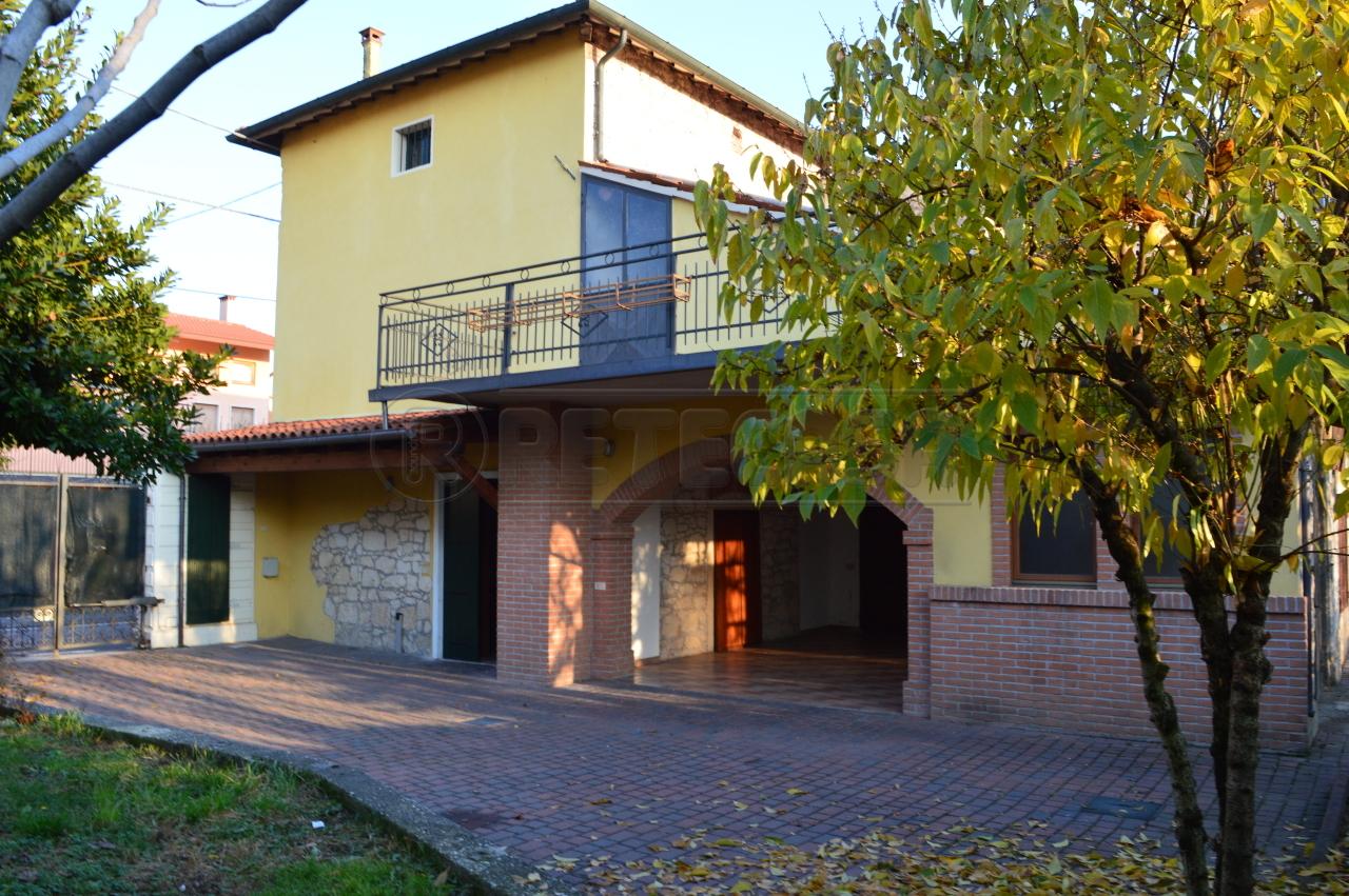 Rustico / Casale in Vendita a Montecchio Maggiore