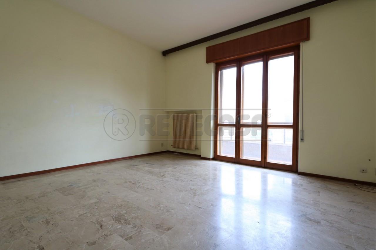 Appartamento in vendita a Vicenza, 4 locali, prezzo € 70.000 | Cambio Casa.it
