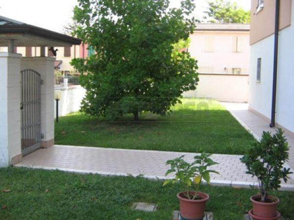 Bilocale Porto Mantovano Via Montegrappa 1 9