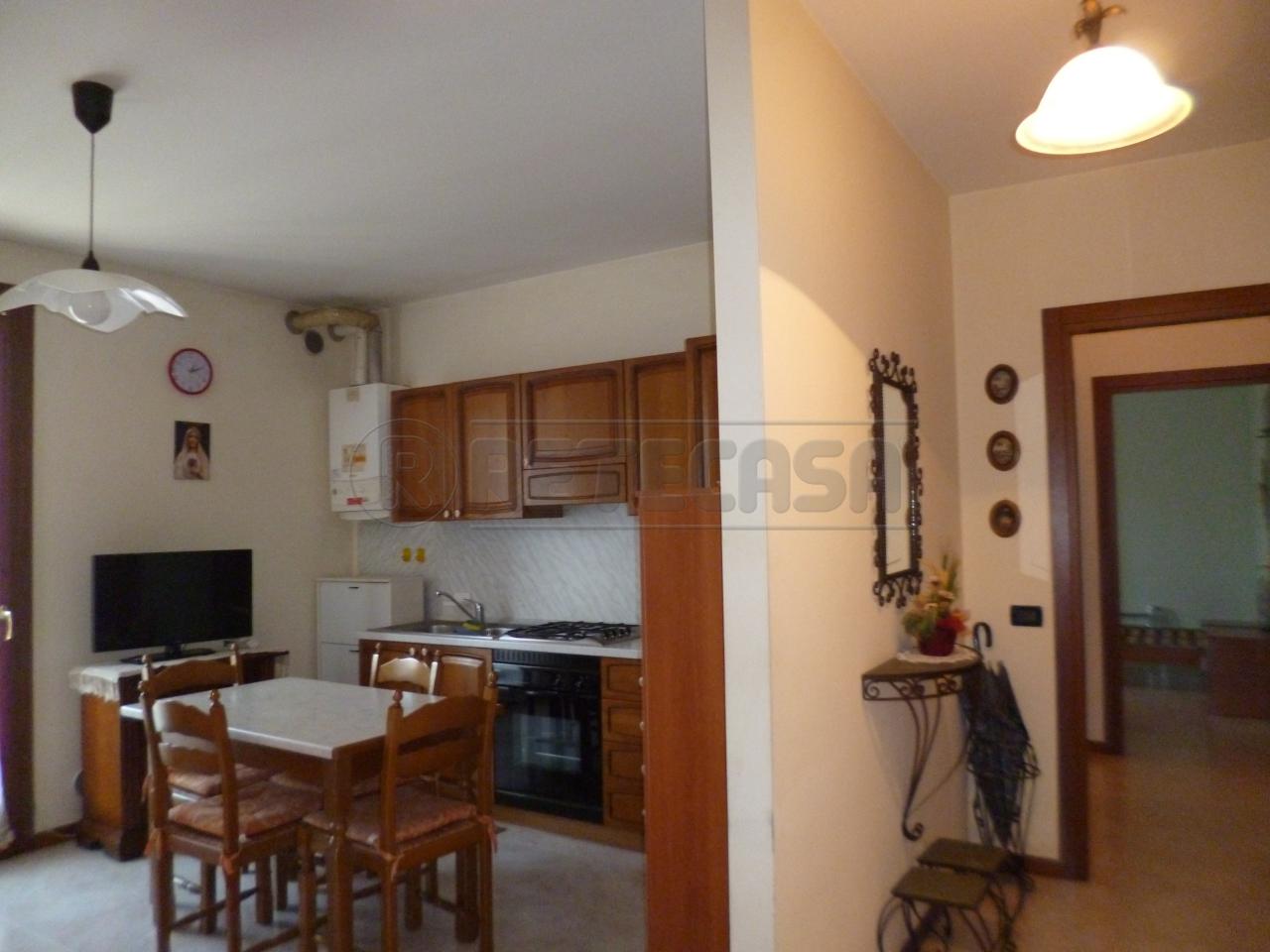 Appartamento in affitto a Montebello Vicentino, 5 locali, prezzo € 500 | Cambio Casa.it