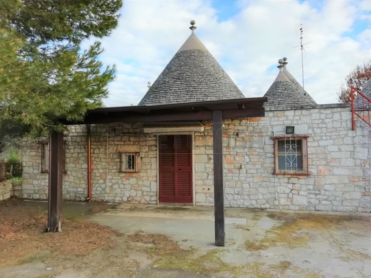 Camere in vendita a Locorotondo (BA)