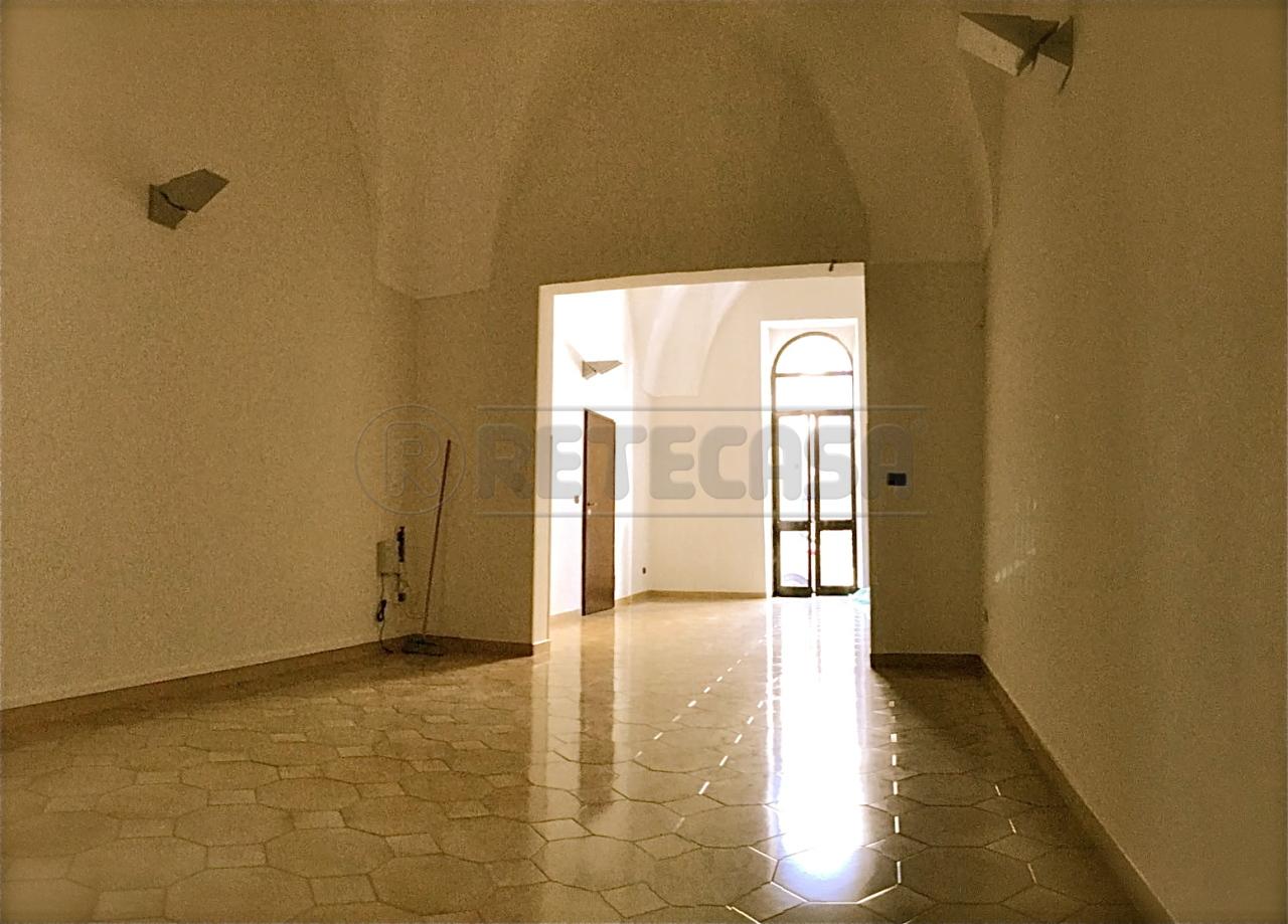 Ufficio / Studio in affitto a Lecce, 4 locali, prezzo € 800 | Cambio Casa.it