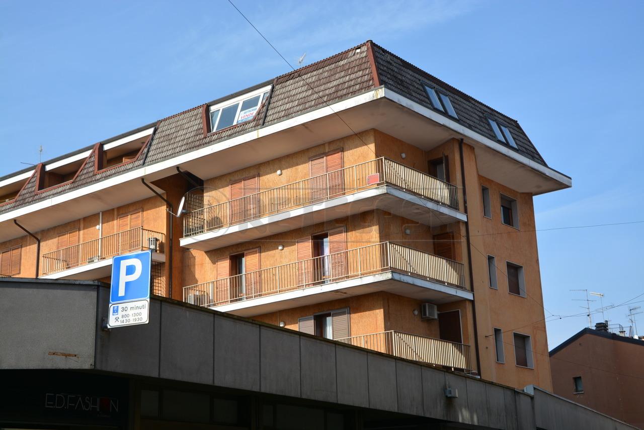 Appartamento in vendita a Tricesimo, 6 locali, prezzo € 78.000 | Cambio Casa.it