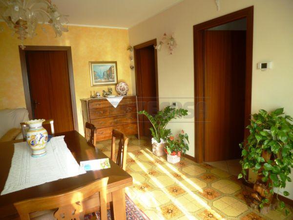 Bilocale Montecchio Maggiore Via Maytteotti 52 10