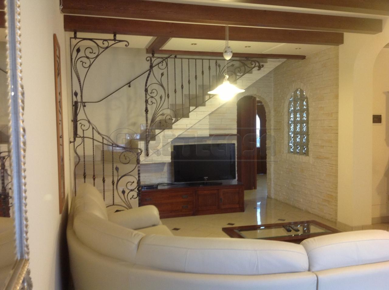 Villa a Schiera in affitto a Torre di Mosto, 9999 locali, prezzo € 750 | CambioCasa.it