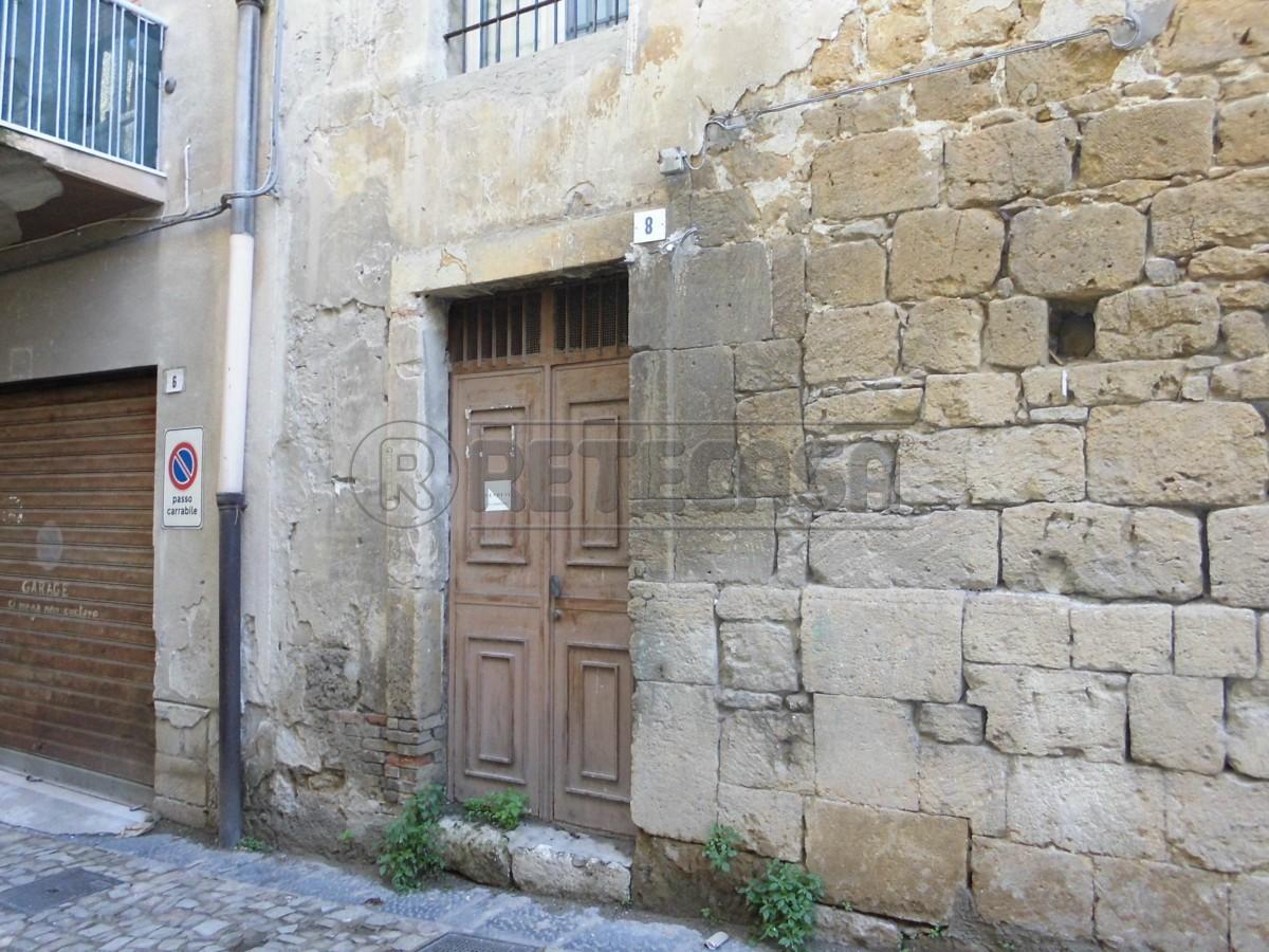 Magazzino in vendita a Caltanissetta, 2 locali, prezzo € 7.500 | Cambio Casa.it