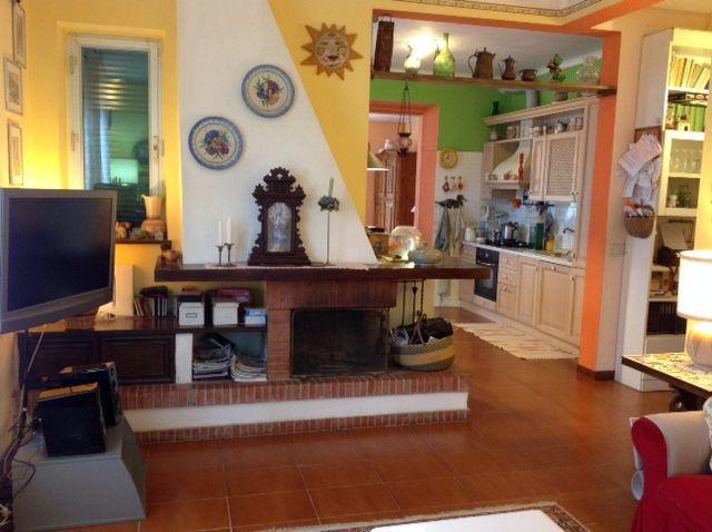 Soluzione Indipendente in vendita a Sestri Levante, 8 locali, Trattative riservate | CambioCasa.it