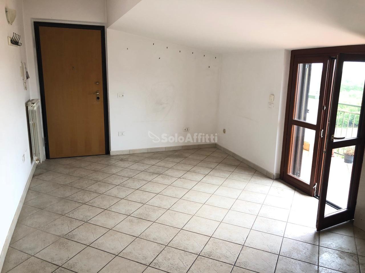 Appartamento in affitto a San Benedetto, Caserta (CE)