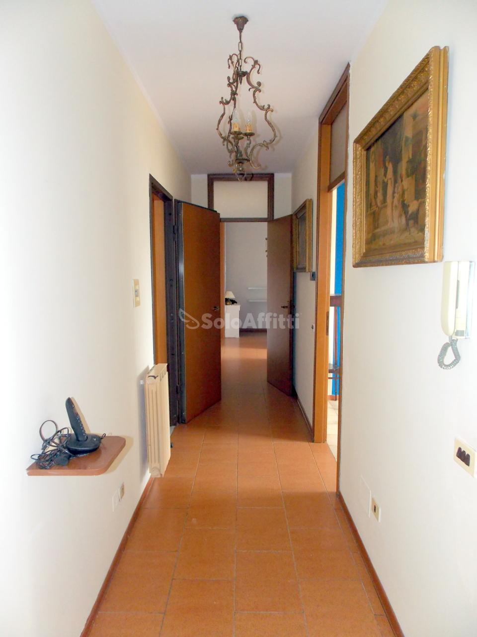 Bilocale Novara Via Laurana  8 3