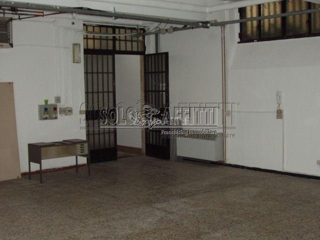 Laboratorio in affitto - 310 mq