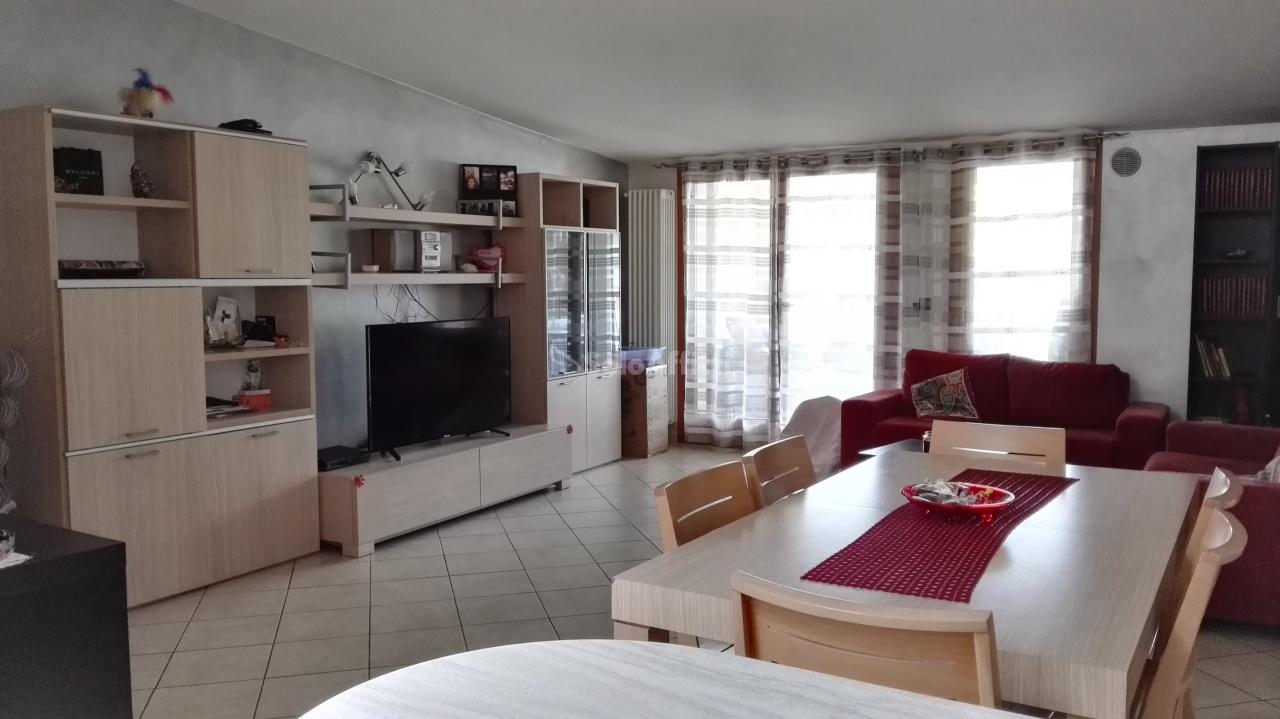 Appartamento in affitto a Montesilvano, 4 locali, prezzo € 530 | Cambio Casa.it