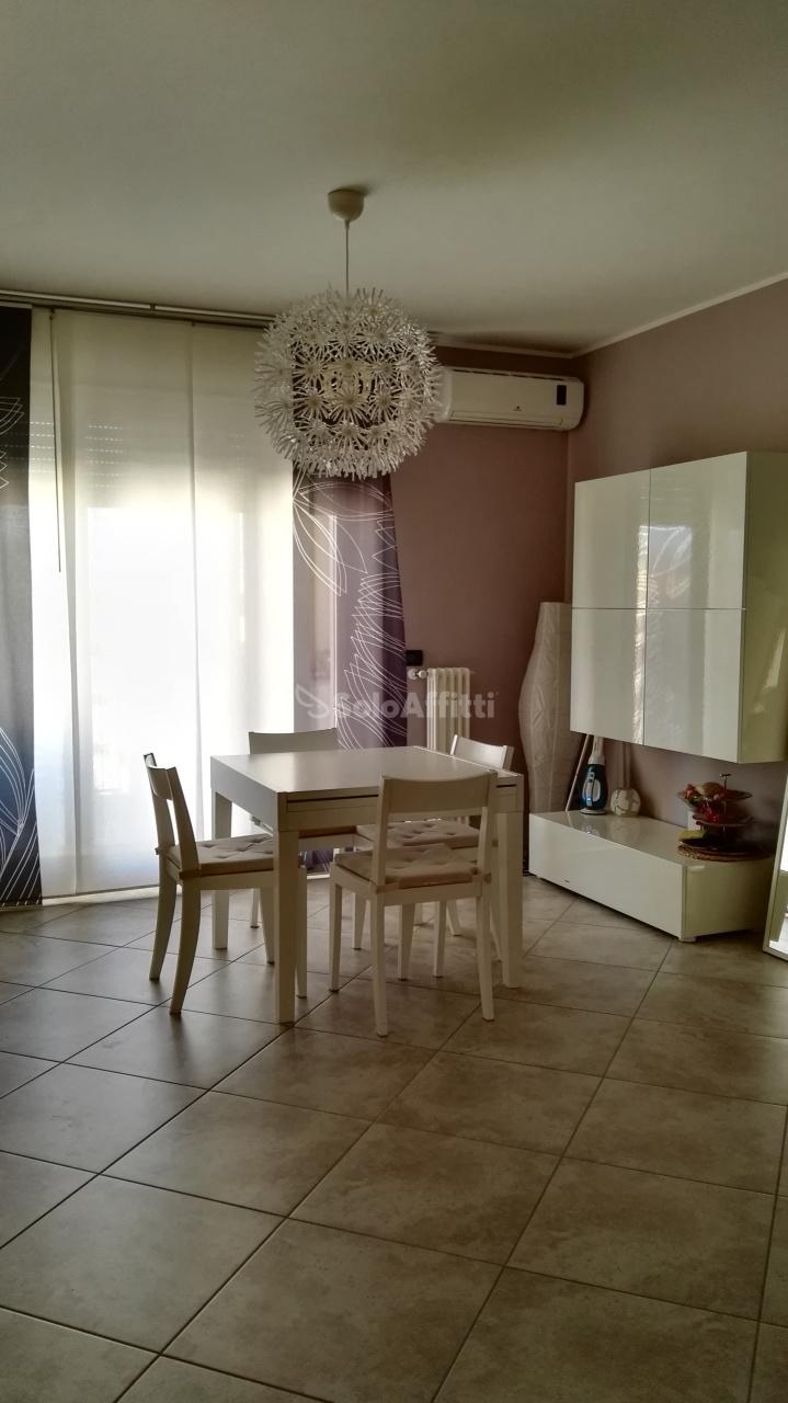 Appartamento in affitto a Montesilvano, 3 locali, prezzo € 450   Cambio Casa.it
