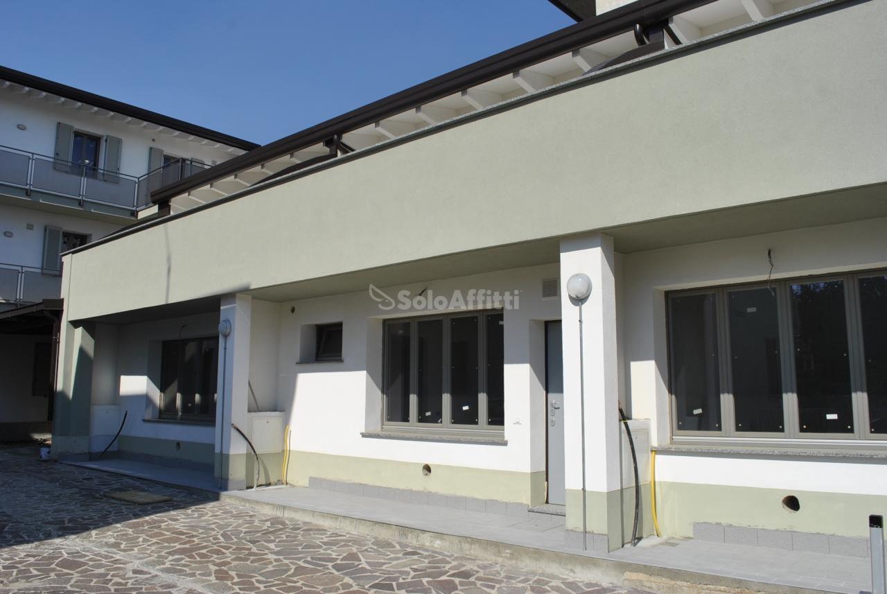 Appartamento loft in affitto a giussano paina piano terra for Piani loft appartamento