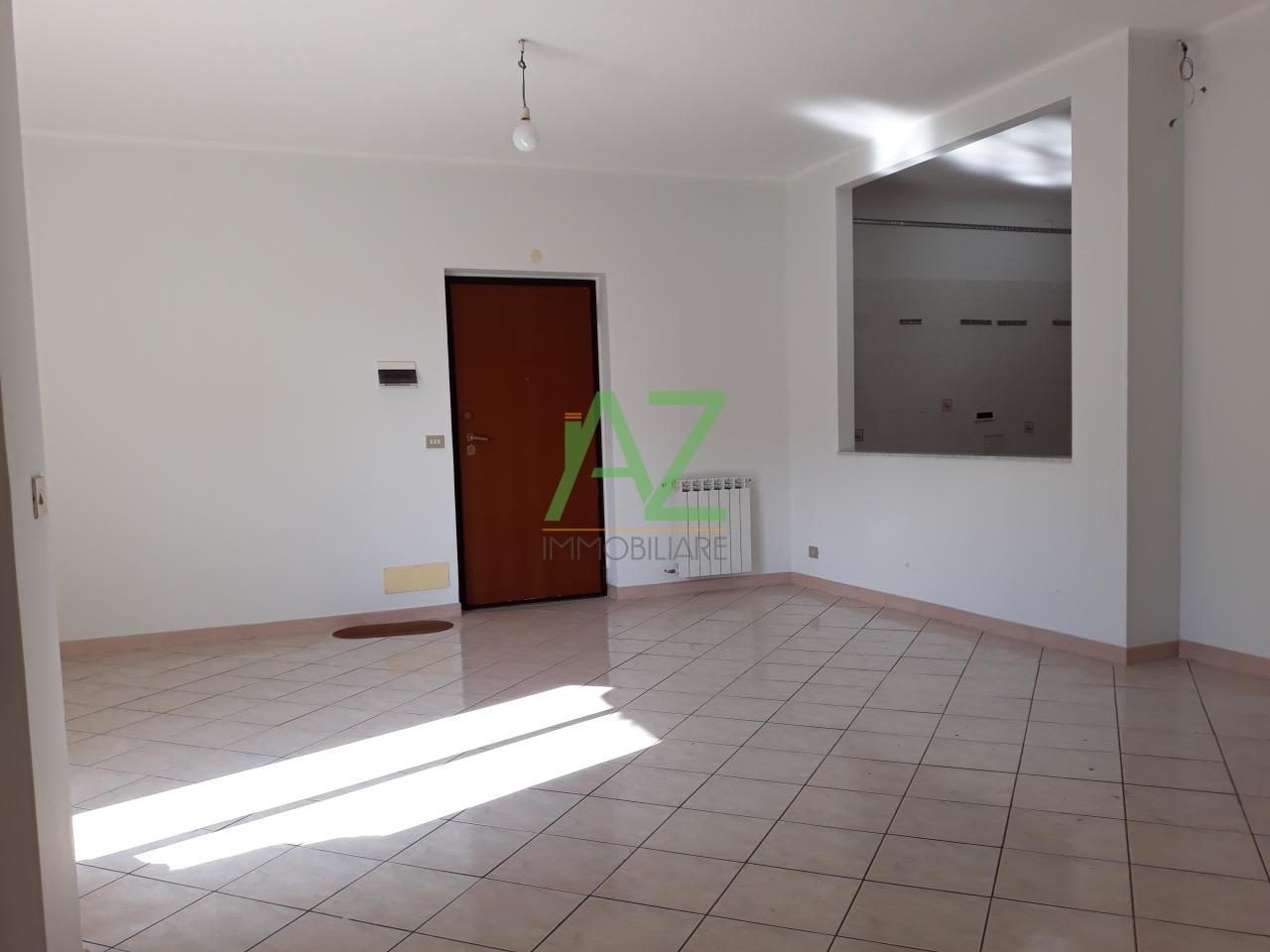 affitto appartamento catania   600 euro  5 locali  110 mq