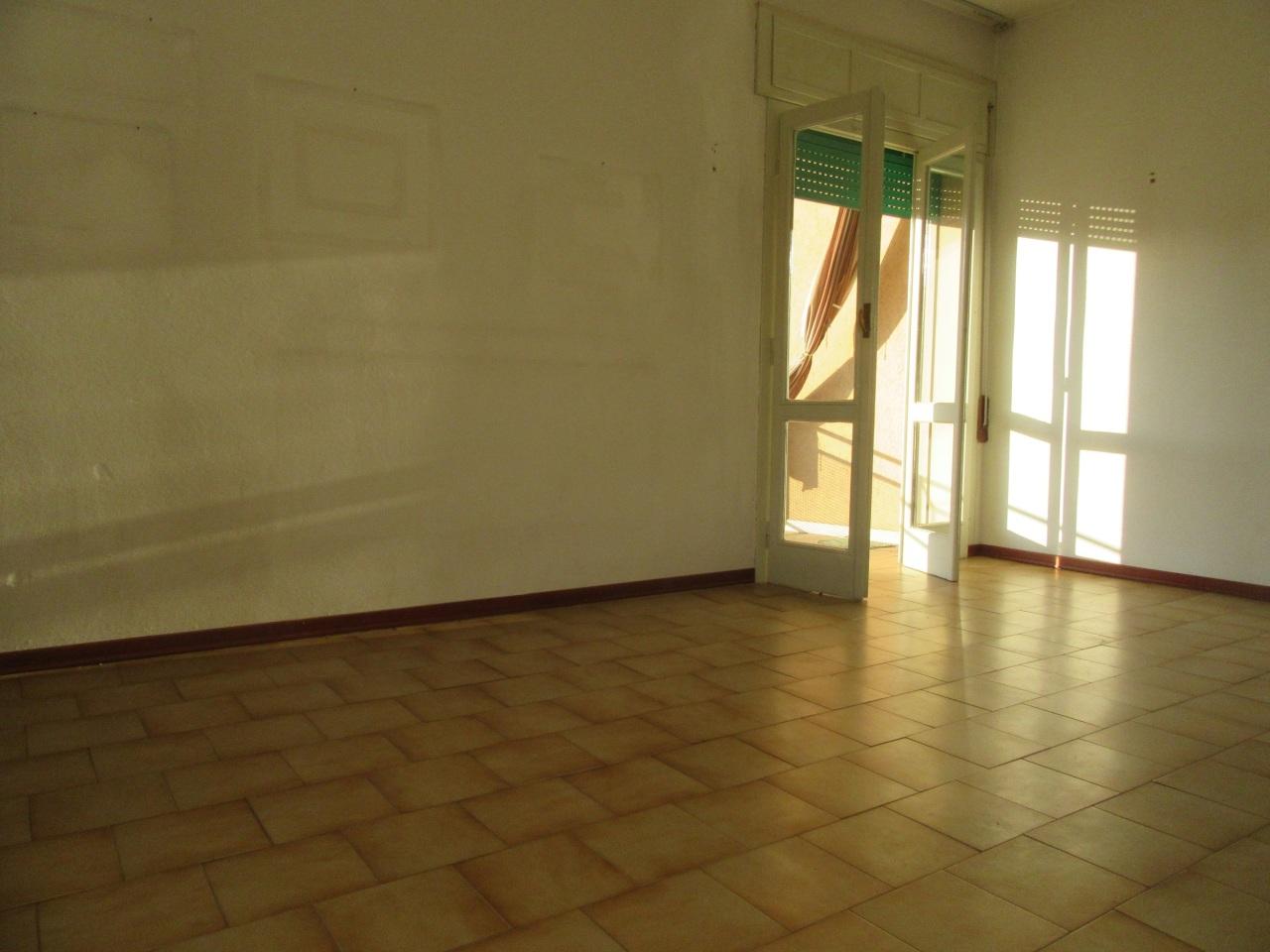Appartamento in vendita a Noceto, 2 locali, prezzo € 80.000   Cambio Casa.it