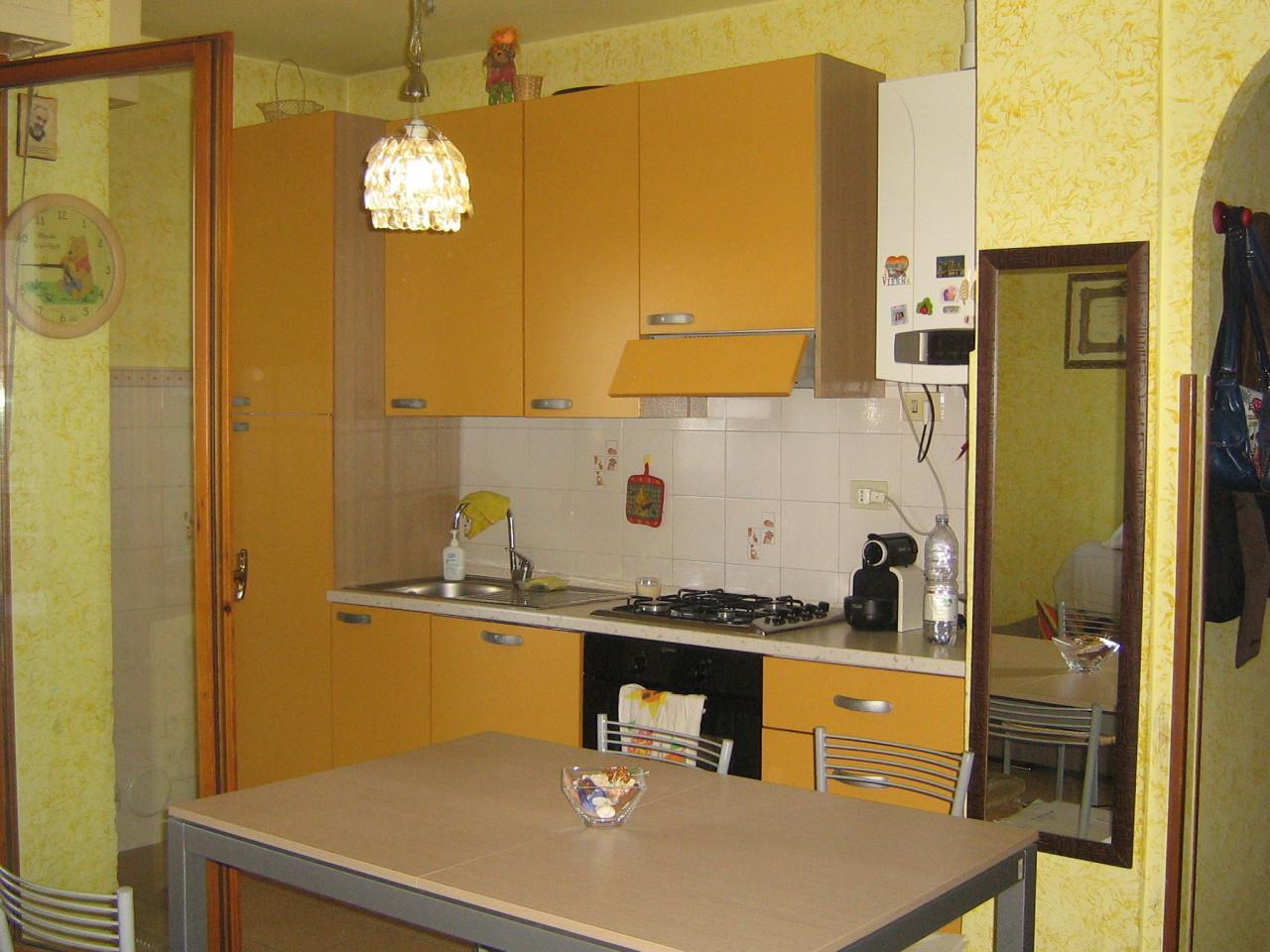 Bilocale Parma Piazza Mozzoni 15 1