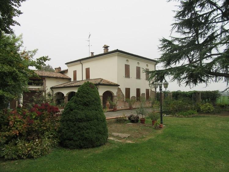 Villa in Vendita a Fidenza