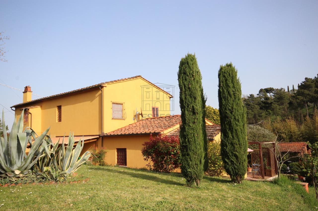 Rustico / Casale in vendita a Montecarlo, 8 locali, prezzo € 590.000 | Cambio Casa.it